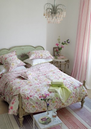 Taie 64x64 Wild Floral Designers Guild